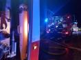 Devět jednotek hasičů v kraji likvidovalo požár hospodářského stavení