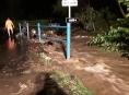 Hasiči v kraji zachránili ze zatopených obcí desítky obyvatel