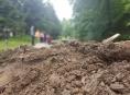 Hasiči zasahují v oblasti postižené povodní už šestý den