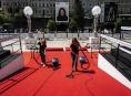 V Oku se bude instalovat červený koberec