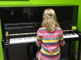 Krajské ZUŠky získaly darem peníze na nová pianina