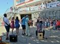 Herci šumperského divadla zahráli dětem na Pětce