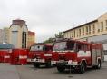 Profesionální a dobrovolní hasiči v kraji převzali novou zásahovou techniku