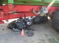 Traktorista ohrozil motorkáře