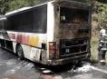 Hasiči poblíž Mírova zasahovali u hořícího autobusu