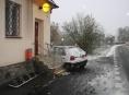 Řidička poškodila poštu v Rapotíně. Policie hledá svědky