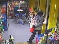 Přepadl benzinku v Tovačově, i když uvnitř byli zákazníci