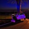 Vozidlo u Samotišek narazilo do stromu  zdroj foto:HZS Ok