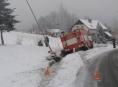 Hasiči v Žulové, cestou k dopravní nehodě sami bourali