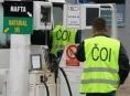 V březnu jsme tankovali horší benzín i naftu