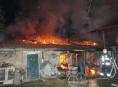 Noční požár v Olomouci se nad ránem znovu rozhořel