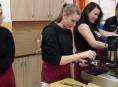 """Šumperští studenti se dozvěděli: """"Káva se nevaří a piccolo se neříká!"""""""