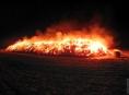 Hasiči na Olomoucku likvidovali nad ránem dva požáry slámy