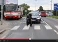 """""""Řidiči zpomal, každý jednou zestárne,"""" připomíná VIDEO"""