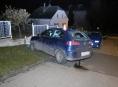 Opilý řidič v Zábřehu demoloval oplocení rodinného domu