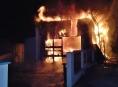 Oheň v Troubelicích zničil garáž a dvě vozidla
