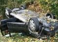 Řidič nechal nabourané auto mezi Bukovicemi a Bušínem