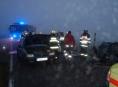 Ve Vlčích na Jesenicku se kvůli mlze srazila tři vozidla