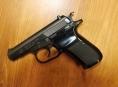 Prodavač ve Starém Městě vyhrožoval zákazníkovi zastřelením