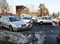 Řidička v Šumperku vjela do křižovatky na červenou
