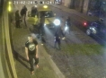 Násilník vyrazil dvěma mužům před vinárnou v Olomouci zuby