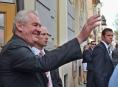 """""""Musel jsem neustále mávat, bolí mě ruka,"""" konstatoval prezident Zeman na závěr vizity Olomouckého kraje"""