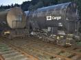 Rozjeté cisterny z vlečky na Šumpersku narazily do stojícího vlaku
