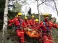 Na Jesenicku záchranáři přepravovali zraněnou ženu ze skály