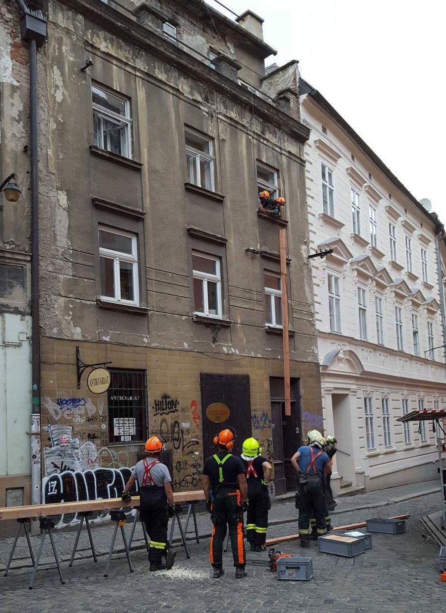 Zásah hasičů - Olomouc Univerzitní ulice zdroj foto: HZS Olk