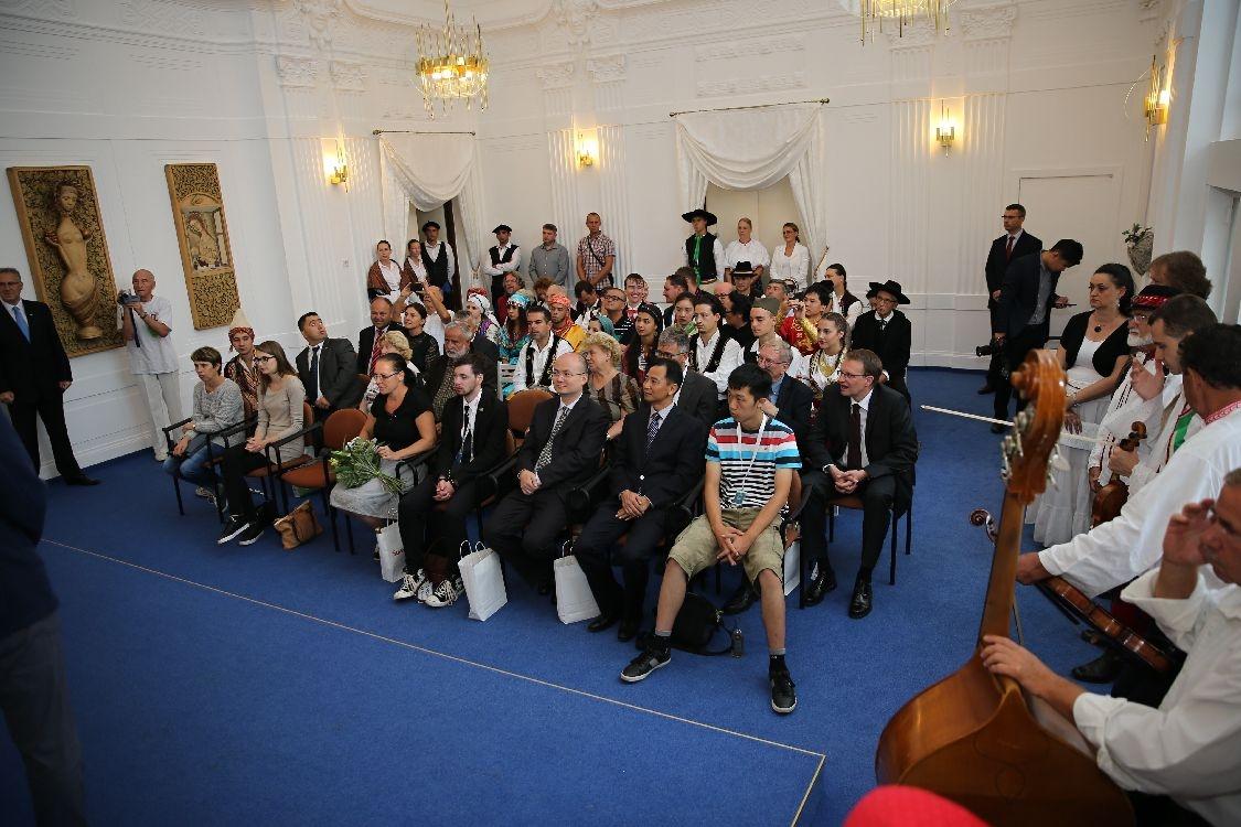 Šumperk - MFF 2017 - přijetí delegací souborů na radnici foto: archiv šumpersko.net - M. Jeřábek