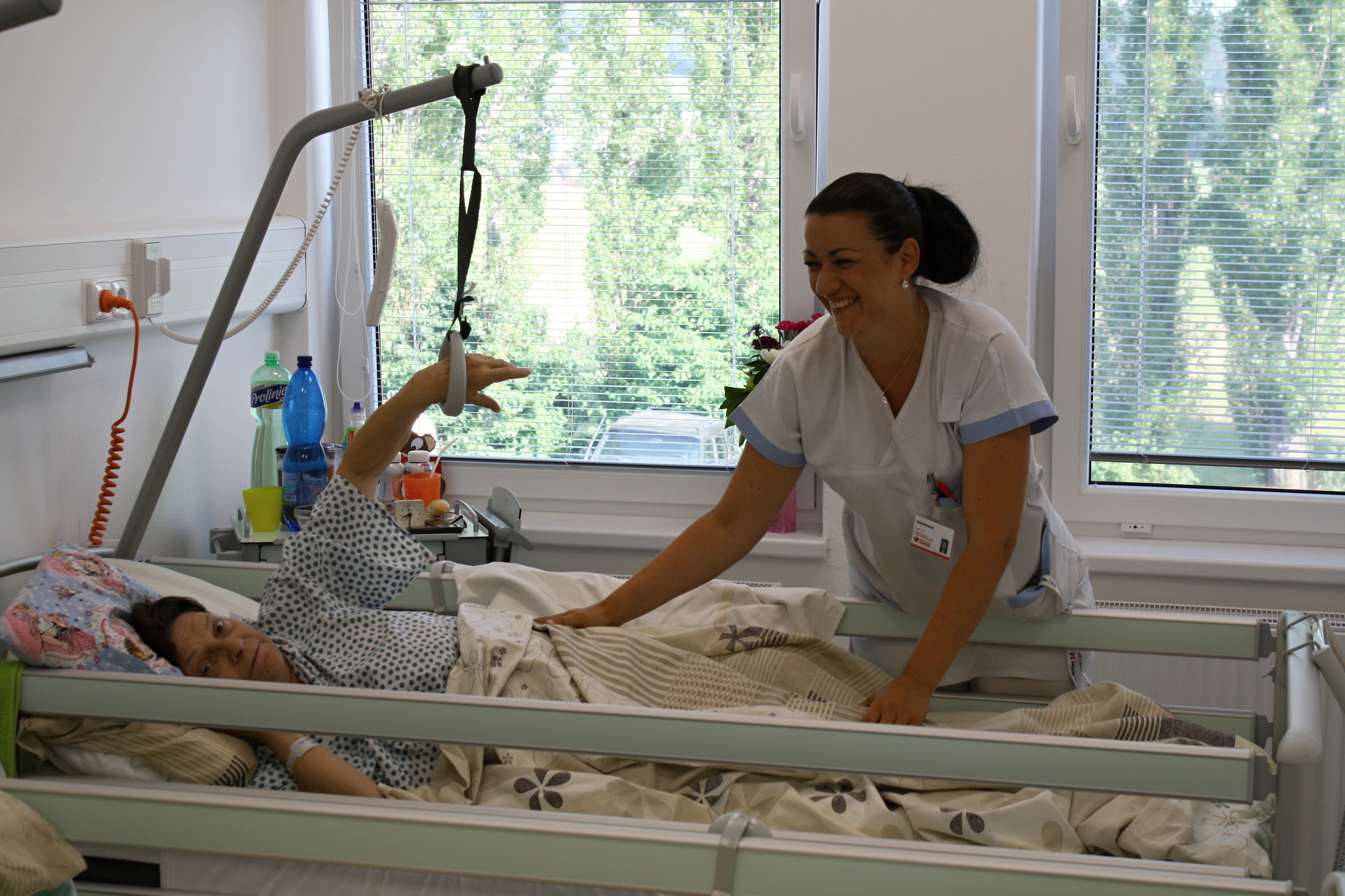 Nová lůžka jsou bezpečnější a pro pacienty mnohem pohodlnější. Nemocnici vyšly na jeden milion korun Foto: NŠ - Tereza Bulková