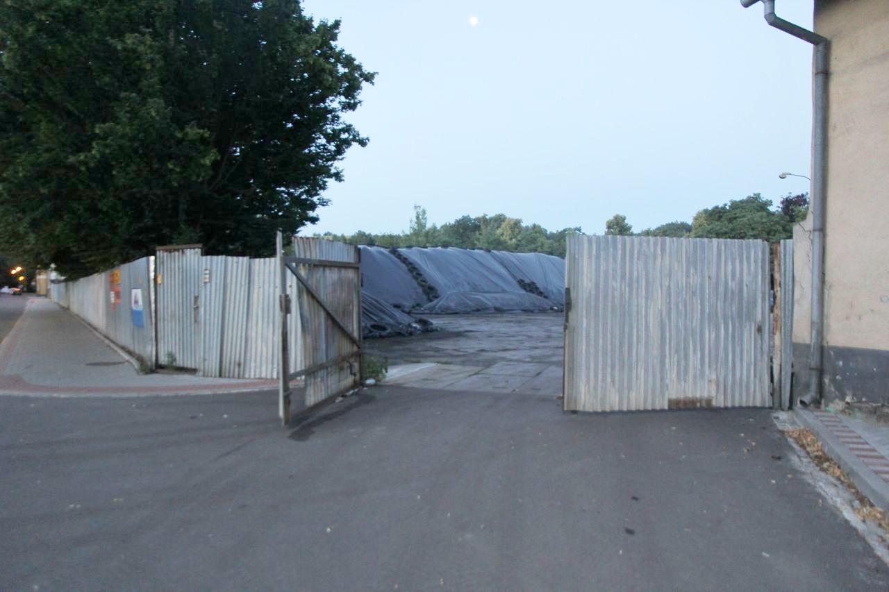 Zábřeh - poškozená brána areálu zdroj foto: PČR