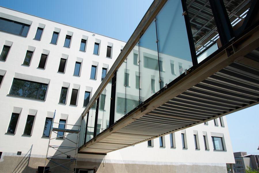 novostavba II. interní kliniky zdroj foto: FNOL