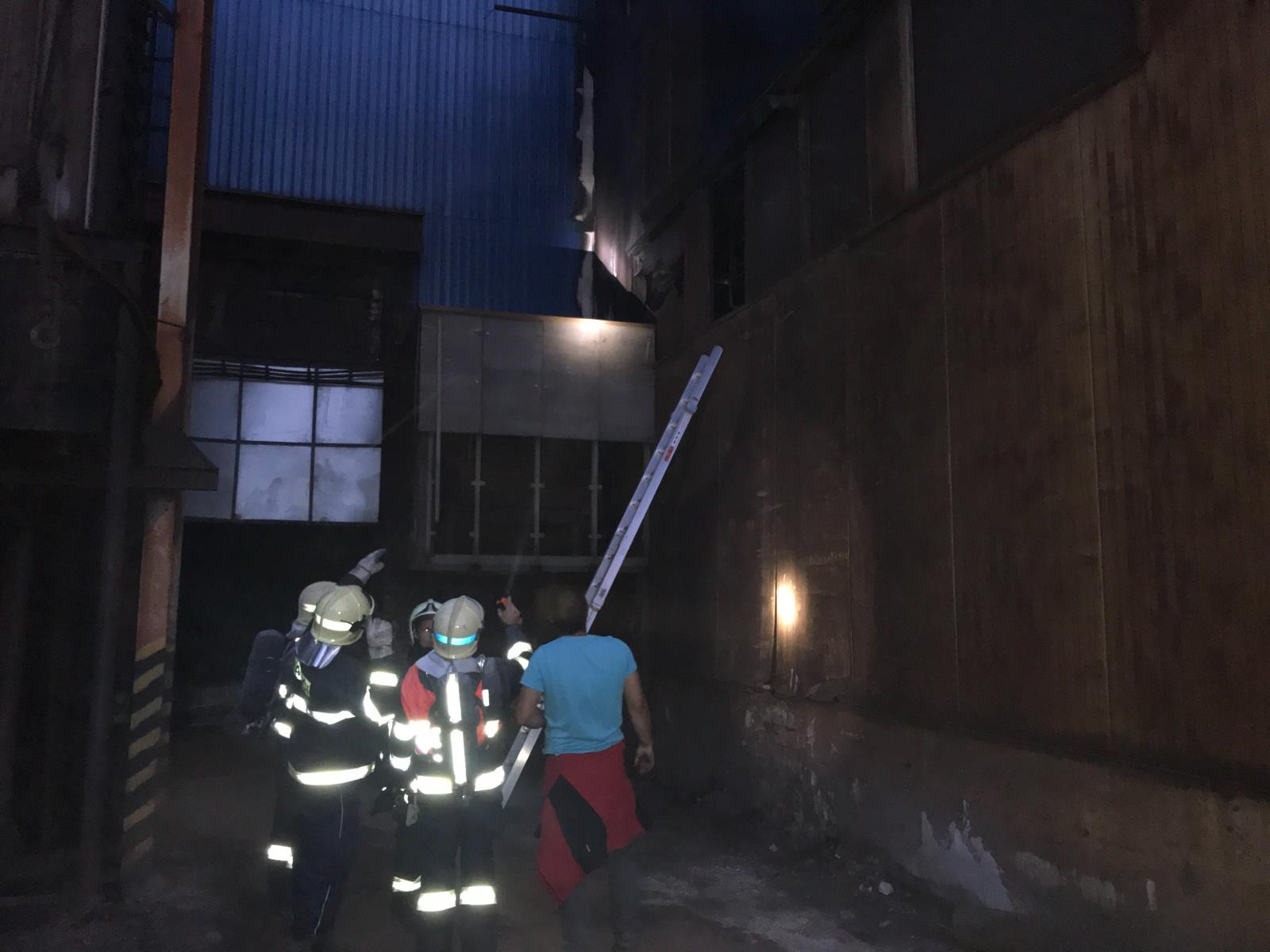 Hasiči na Jesenicku likvidovali požár zdroj foto: HZS OLK