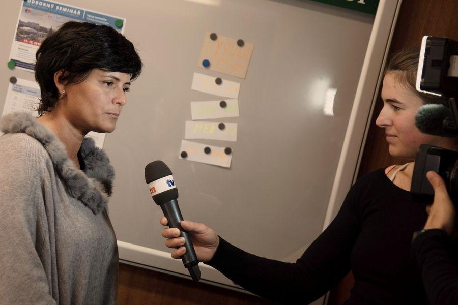 Olomouc - nové přístroje na Dětské klinice FN - ředitelka neziskové organizace Ester Rážová zdroj foto: FN OL