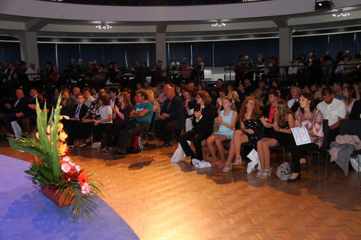 Kraj ocenil talentované školáky zdroj foto: OLK