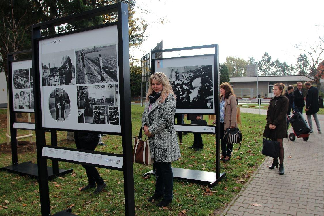 """Výstava fotografií """"OKAMŽIKY STOLETÍ"""" v Šumperku foto: sumperko.net S. Adoltová"""