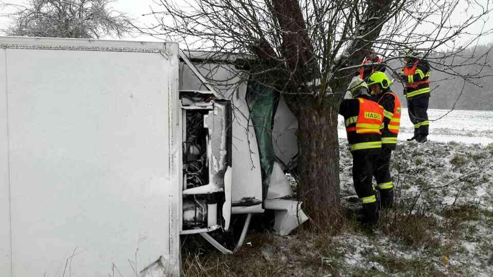 Silné sněžení zaměstnává hasiče v Olomouckém kraji zdroj foto: HZS OLK