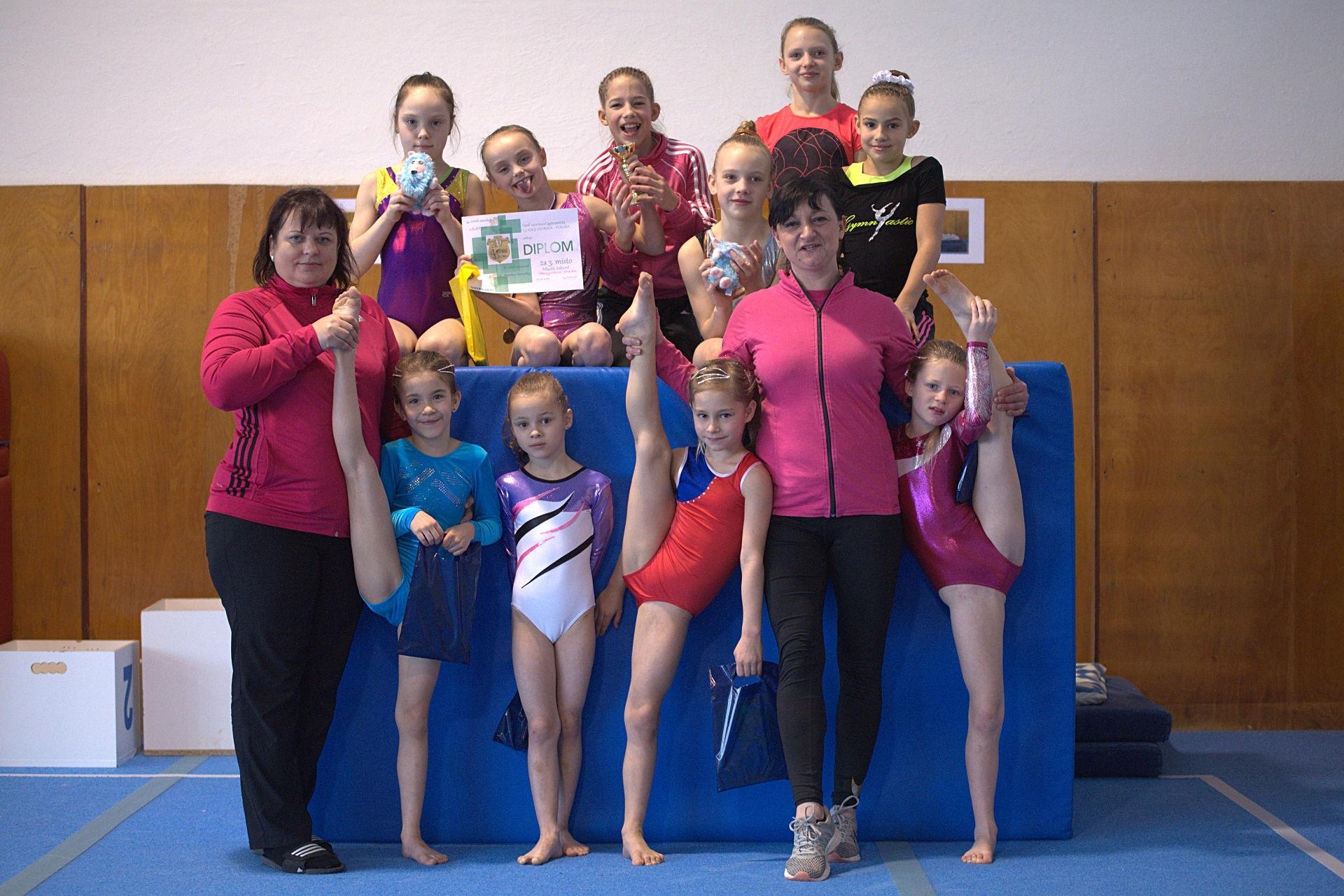gymnastky oddílu GK Šumperk zdroj fot: oddíl - J. Žandová