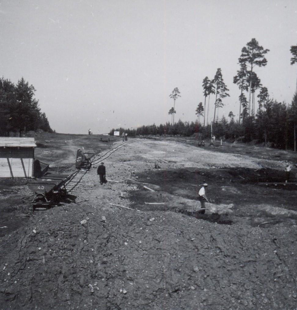 Zemní práce v okolí obce Borovsko (srpen 1939). zdroj foto: MS
