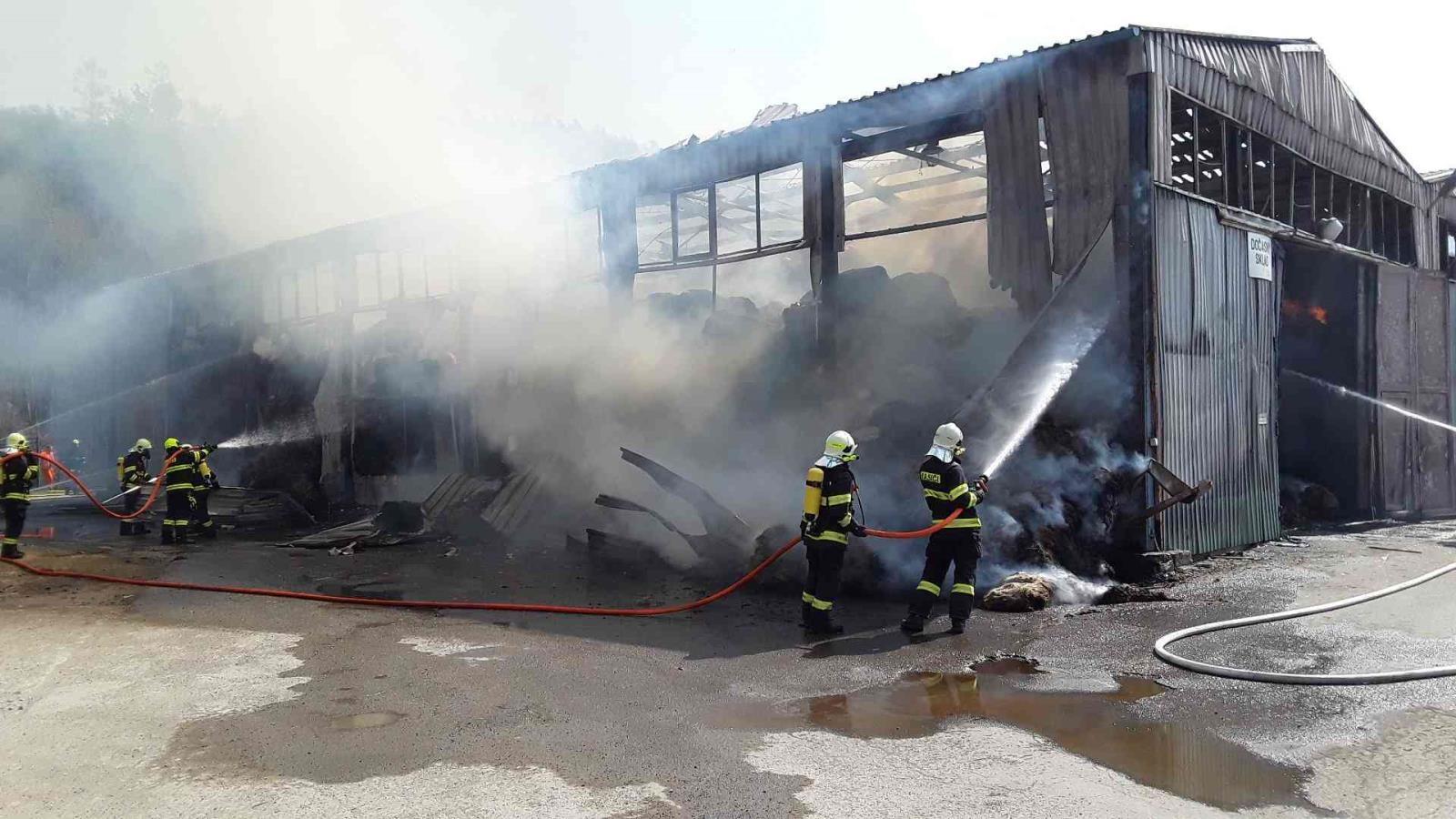 Olšany - náročný zásah hasičů zdroj foto: HZS OL