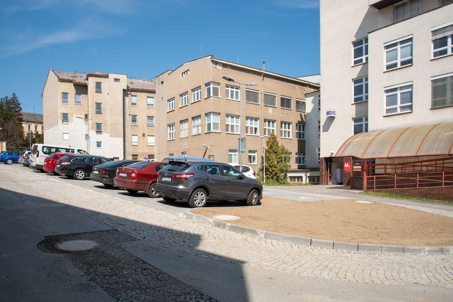Fakultní nemocnice rozšiřuje parkovací místa zdroj foto: FNOL