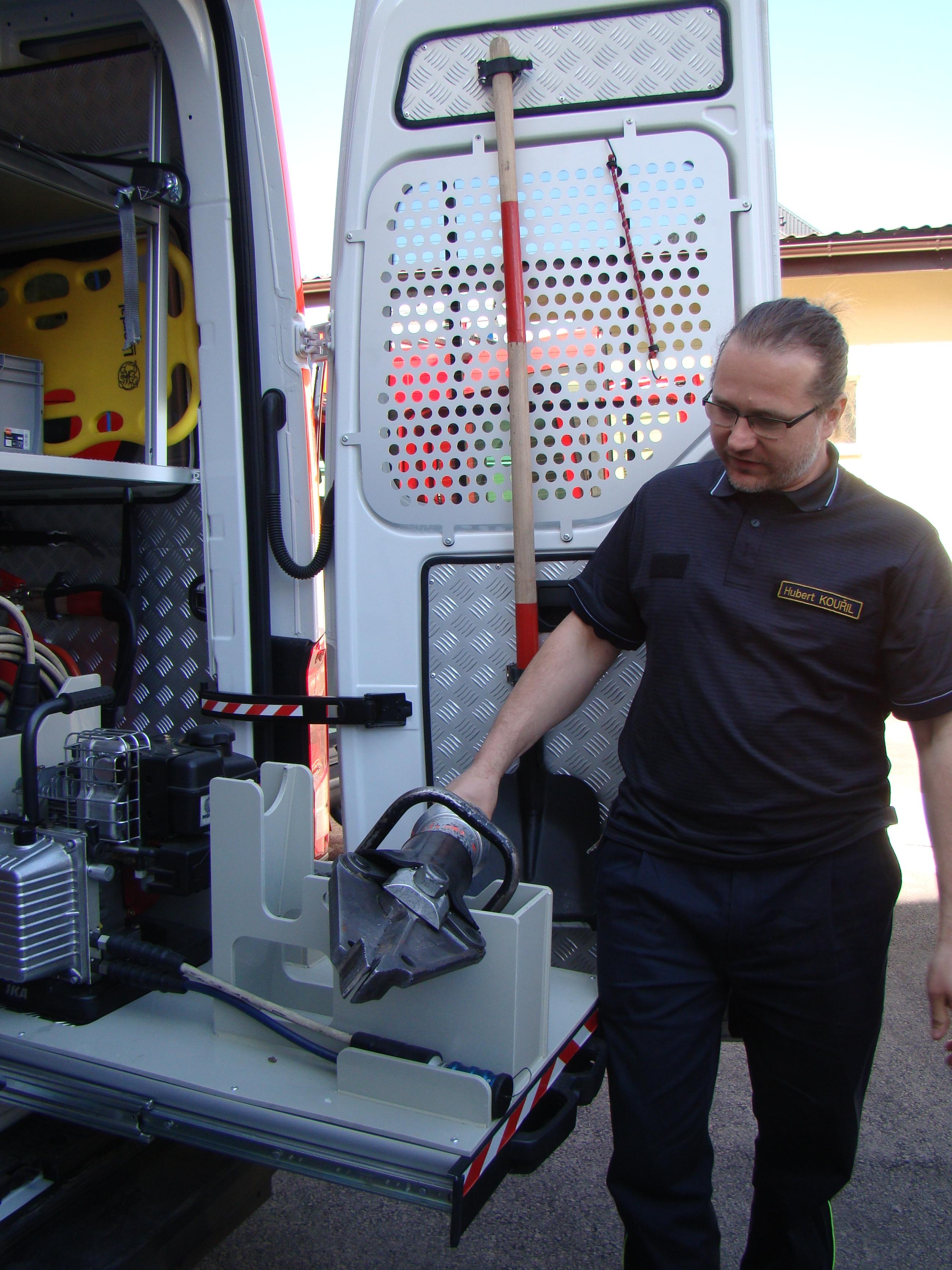 Staré Město - hasiči získali první automobil v historii SDH zdroj foto: B. Haušková