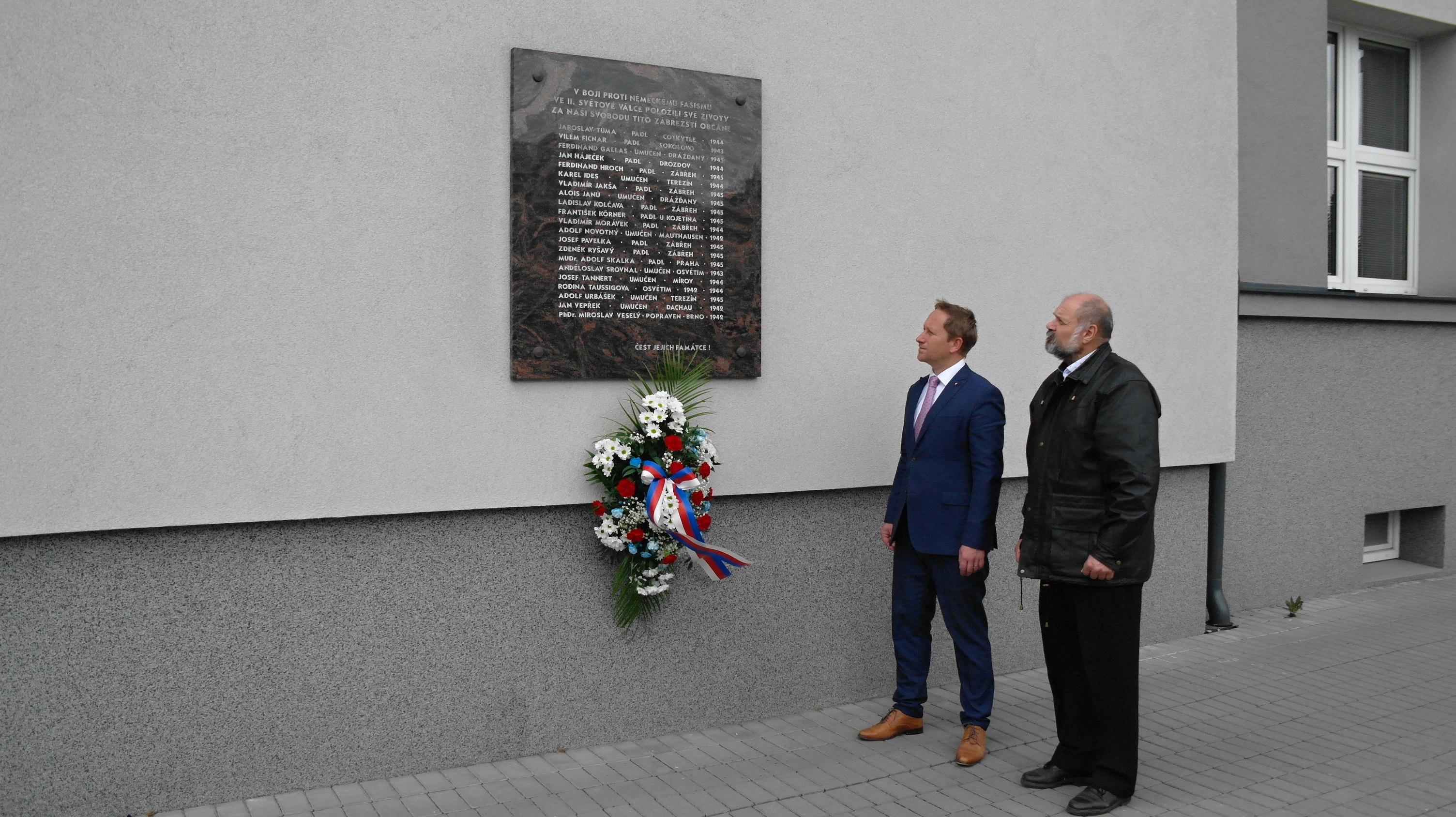 Vedení města Zábřeh uctilo památku obětí druhé světové války zdroj foto: muz