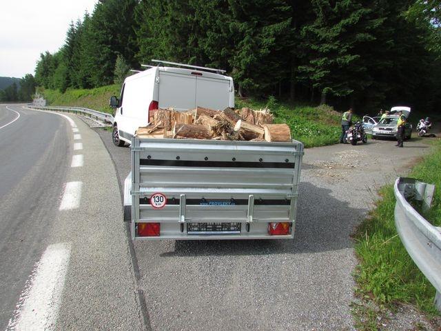 Bezpečnostní opatření českých a polských policistů zdroj foto: PČR