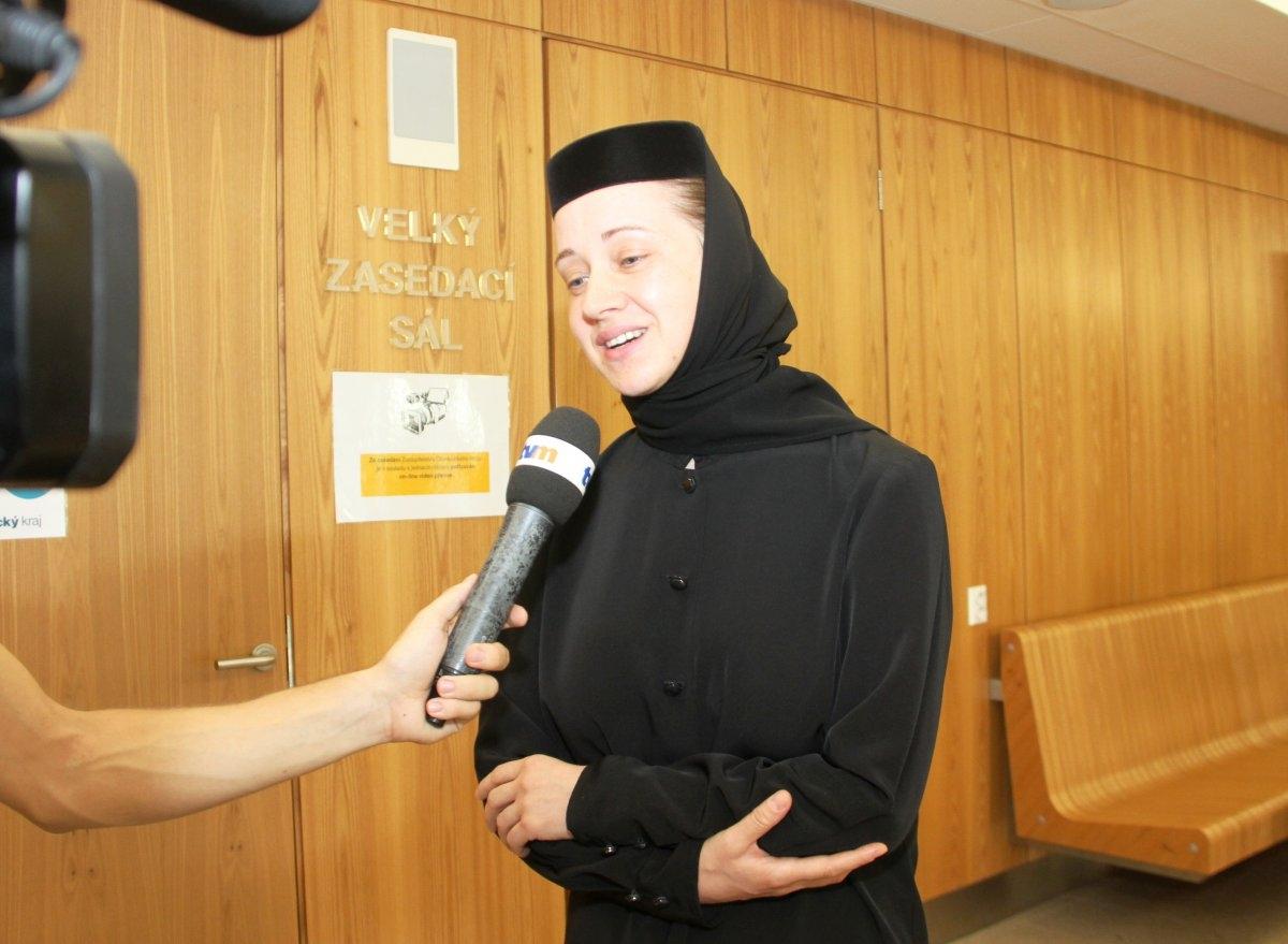 Krajské zastupitelstvo ocenilo ženy pracující v sociálních službách zdroj foto: OLK