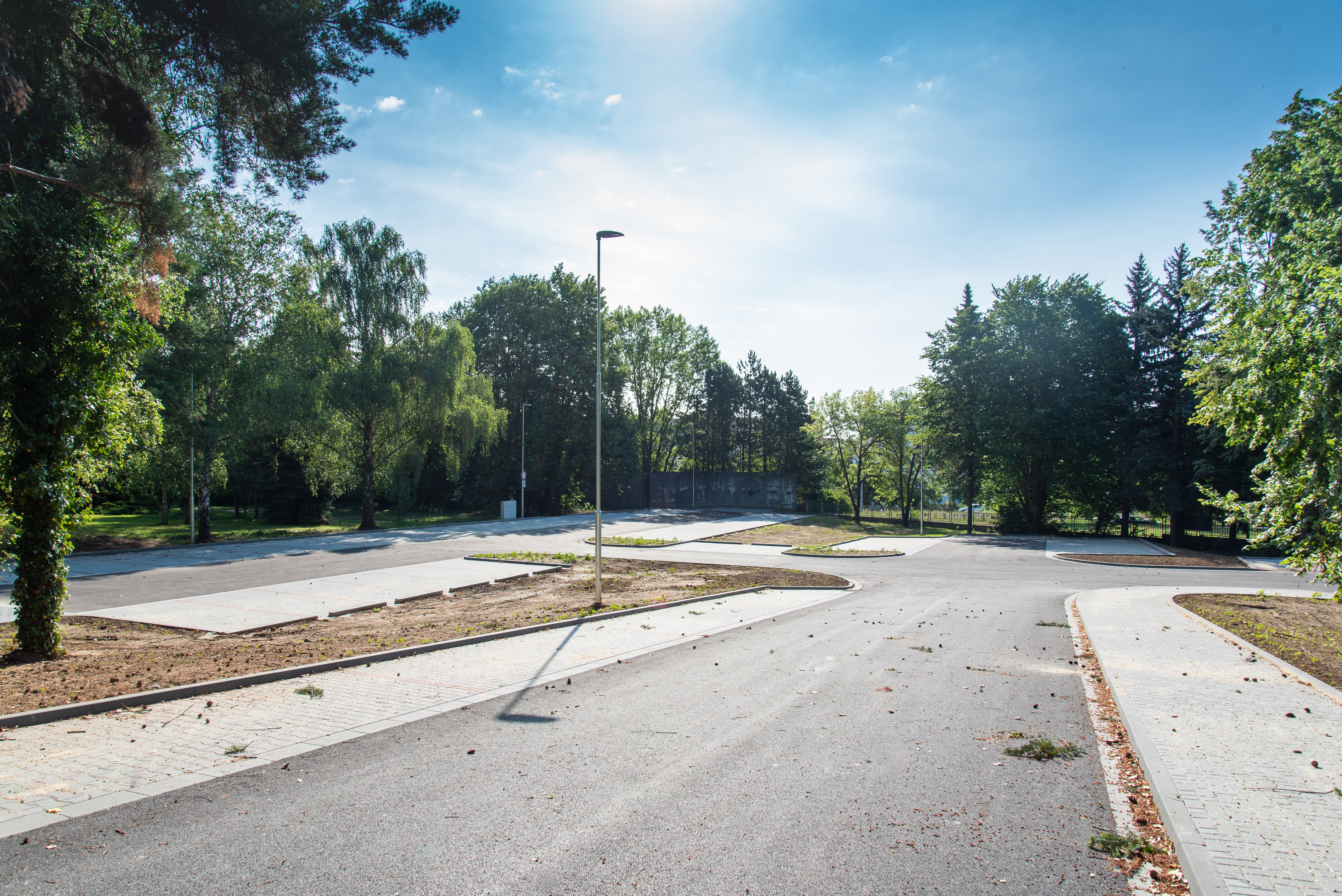 V areálu FN Olomouc přibylo sto nových parkovacích míst zdroj foto: FNOL