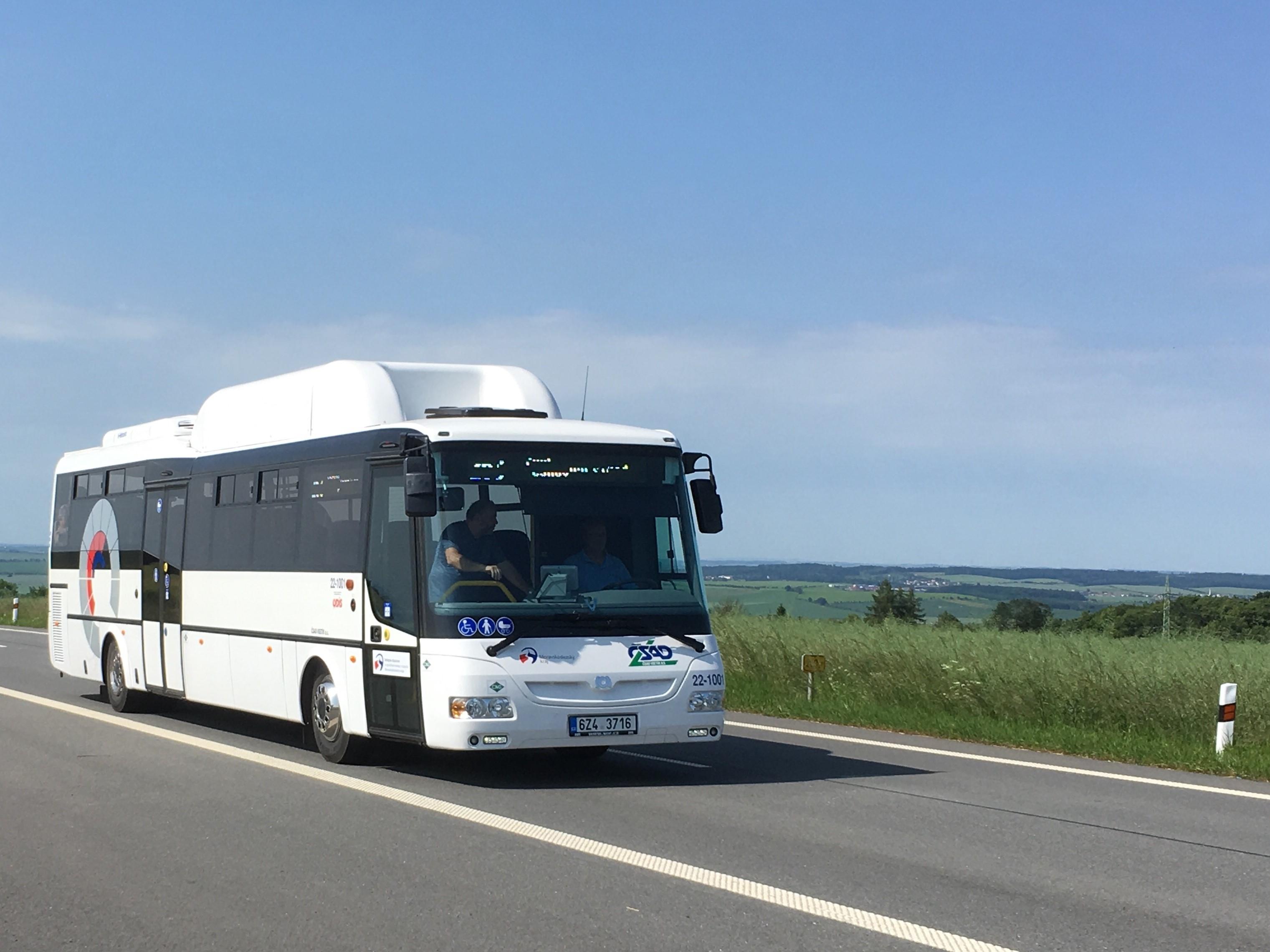 nové autobusy na CNG foto: ČSAD Vsetín
