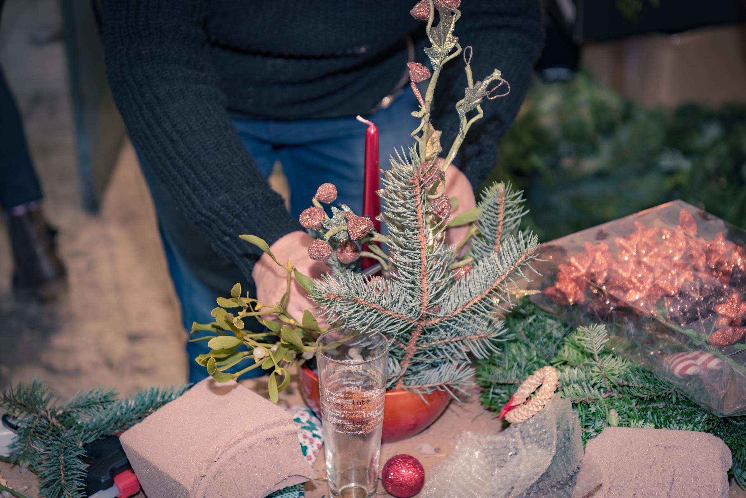 Vánoční hvězda a Věncování zdroj foto: FNOL
