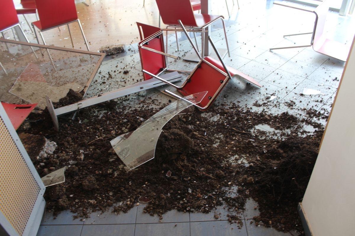 DN poškozená čerpací stanice zdroj foto: PČR